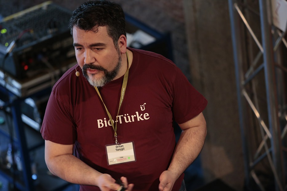 Orhan Tançgil: Merdschimeckli köffteh — Türkische Küche mit deutschem Charakter